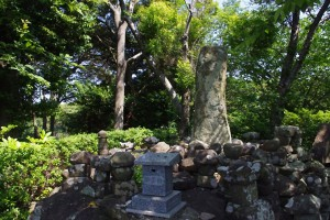 対馬小太郎の墓