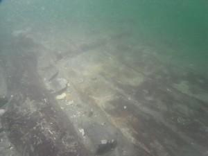 平成23年度調査 元の軍船の竜骨(キール)と外板の検出状況