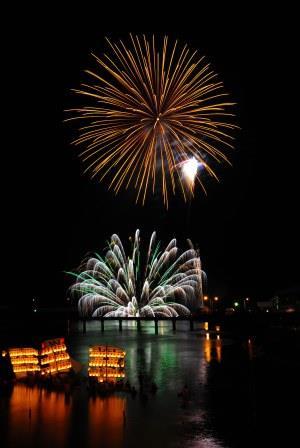 川崎 精霊船と花火 圧縮